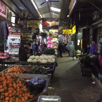 لا يوجد التزام جدي داخل سوق الخضار في مخيم عين الحلوة