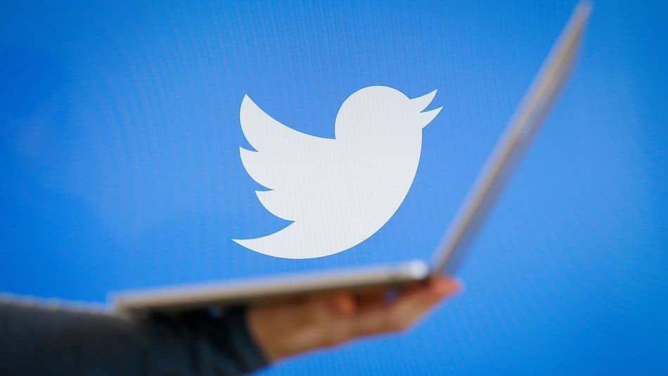 تويتر يغلق مئات الحسابات.. والسبب؟