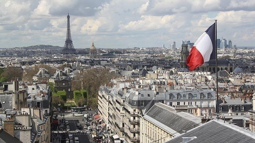 مجلس الشيوخ الفرنسي يوافق على حظر الصلاة في الجامعات